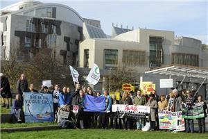 Image: Climate scientists call on Scotland to cut emissions to zero